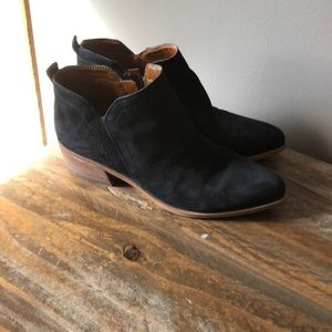 Ankle boots, worn twice